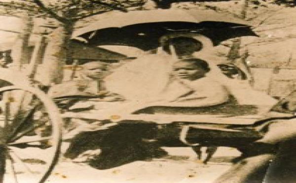 Photo-Souvenir: Mame Maodo Sy avec Mame Habib Sy et Mame Abdoul Aziz Sy