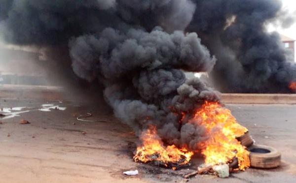 Législatives et Référendum en Guinée: Un scrutin avec d'intenses et sanglantes violences