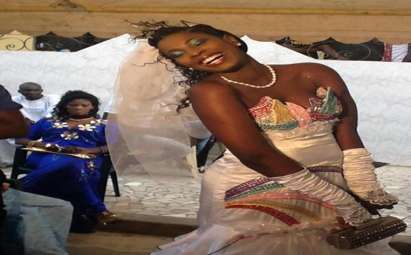 Le mannequin Sophia Thiam en robe de mariée
