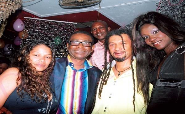 Youssou Ndour et Mme, Oumou Provoc et Cyril Bathily au Nirvana
