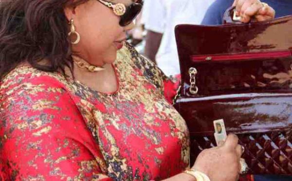 La femme de Pape Diop : Nouvelle star de l'arène politique