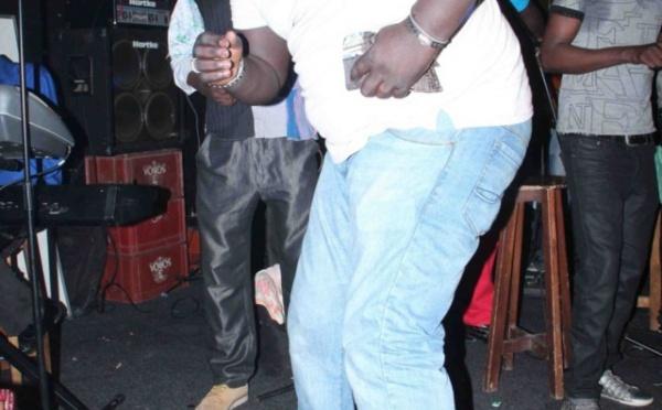 Le jet-setteur Mbaye Sène était à la soirée de Thione Seck à Paris