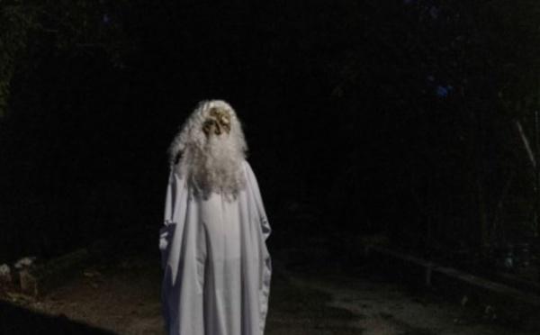 """En Malaisie, un """"fantôme"""" fait des rondes contre le coronavirus"""