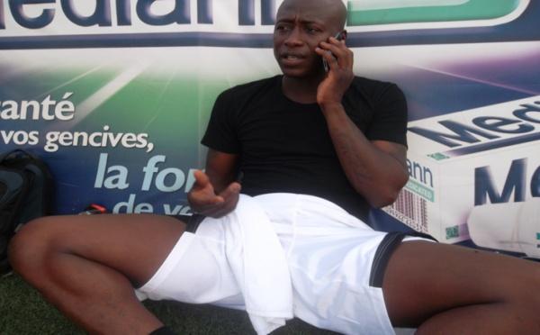 Kalidou Fadiga s'apprêtant à prendre part à un match de gala