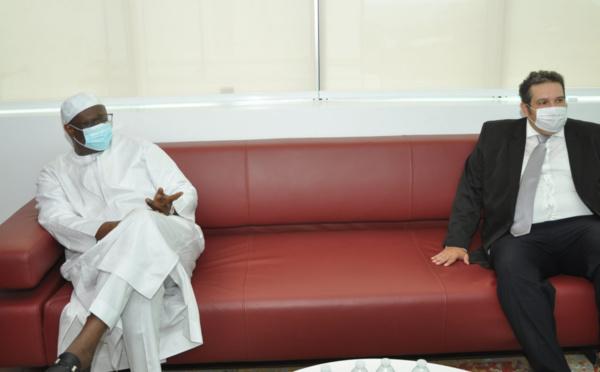 """Mouhamadou M. Cissé aux 20 ingénieurs sénégalais: """"Le contenu local commence par vous…."""""""