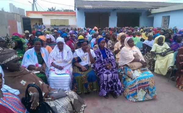 Les images de la cérémonie de remise d'un chèque de 75 millions au réseau des femmes pour l'émergence de Bambilor