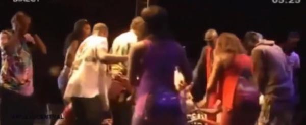 Papa Wemba a t-il été assassiné? Changement de micro empoisonné dans son dos? Bizarre...