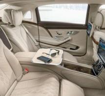Serigne Khadim Gaydel Lô offre au Khalif Général des mourides une Mercedes de Classe S600
