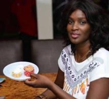 """(02 Photos) Revoilà Lissa, la star d'""""Un Café avec..."""" !"""