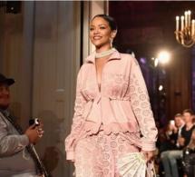 Rihanna éblouit la la Fashion Week de Paris par sa beauté