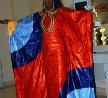 Soda Bousso élégante en tenue traditionnelle, admirez l'élégance