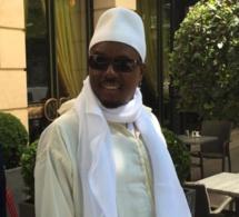 Vidéo: Il aime Serigne Bass Abdou Khadre jusqu'à l'imiter incroyablement. Regardez !