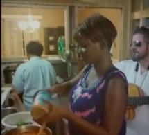 Vidéo: Fa Coly, l'artiste est aussi cordon bleu, regardez!!!