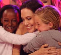 Angelina Jolie – Brad Pitt : la mère biologique de leur fille Zahara veut la revoir