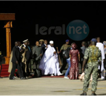 Photo: cette image forte de Jammeh et d'Alpha Condé en partance pour la Guinée fera date en Gambie