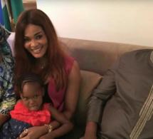 Suivez Soumboulou Bathily chez Adama Barrow, les épouses du Président sont de grandes fans de l'actrice (Images)