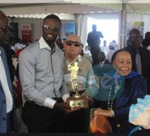 """Photos: Les lauréats de Golf; Trophée"""" Mme Elisabeth Diouf"""""""