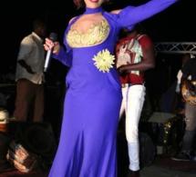 Viviane Chidid super craquante en robe bleue