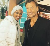 Mbathio Ndiaye et Hervé Renard posent ensemble