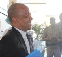 Photo- Souleymane Jules Diop Directeur du PUDC affiche un large sourire à l'hémicycle