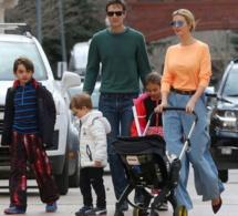 Loin des polémiques de Washington, Ivanka Trump est au ski en famille