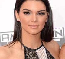 Vidéo-Sur le web : Kendall Jenner est accro aux selfies et à Instagram