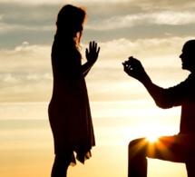 Mariage: pourquoi met-on un genou à terre pour faire sa demande ?