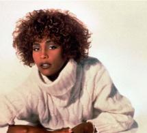 Whitney Houston : sa relation amoureuse avec son assistante