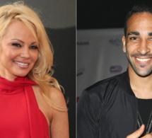 Un véritable coup de foudre  – Pamela Anderson en couple avec le footballeur français, Adil Rami