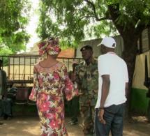 Arrêt sur images: Avant la traversée du ferry gambien, Me Aissata Tall Sall a salué la présence de la MICEGA, les soldats de la CEDEAO, en Gambie