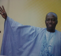 Les étudiants de l'IAM rendent un vibrant hommage au Parrain Papa Maël DIOP, DG de l'Agence des Aéroports du Sénégal
