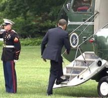 Arrêt sur image - Obama alors président, oublie de saluer le Marine...Regardez ce qui se passe après !