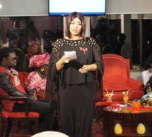 """VIDEO - Fama Diouf, le belle """"drianké"""" de la RTS en mode Saint Valentin ! (photo, vidéo)"""
