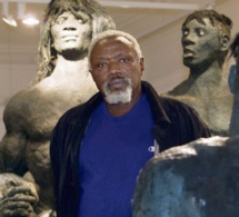 11 décembre 2013, Ousmane Sow devient le premier Africain à entrer dans l'Académie des beaux arts