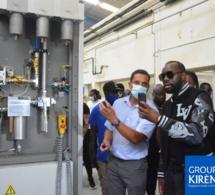 PHOTOS - Maître Gims, Barack Adama et autres en visite dans l'usine de Kirène: Les images !