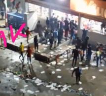 Manifestation : Les manistants pillent les Auchan