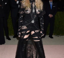 Met Gala 2016 : Madonna, fesses à l'air, sort le grand jeu