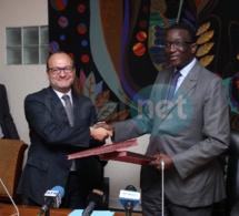 En images la signature de la convention de financement entre Amadou Bâ et la délégation de l'Afd