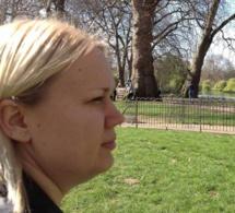À 36 ans, elle confronte ses anciens camarades de classe au harcèlement
