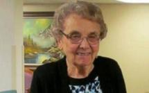 Elle prend sa retraite à 72 ans et ils organisent la fête de sa vie !