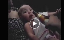 Vidéo: Bébé refuse de prendre son biberon et réclame la bouteille de bière, regardez!!!