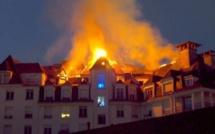 Vidéo: un immeuble en flammes s'effondre à Téhéran, regardez