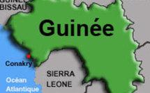 Des jeunes dans les rues de Conakry