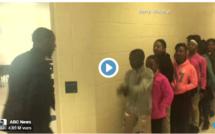 Vidéo-Regardez ce professeur, les cours débutent toujours avec 10 minutes de retard...