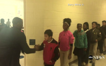 Vidéo: Un professeur d'anglais en Caroline du nord, un vrai pédagogue! regardez...