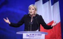 Empêtrée dans une affaire d'emploi fictif, Marine Le Pen nie en bloc et contre-attaque