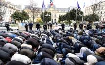 Fermeture de la Mosquée de Clichy (France) : Une prière de rue organisée devant la mairie pour protester