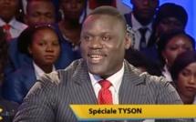 Vidéo: Tyson a reçu avec tous les honneurs en Côte d'Ivoire
