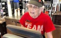 A 94 ans, elle travaille encore au McDo !
