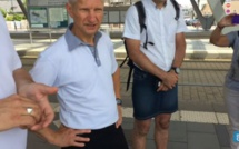 France: Privés de short en pleine canicule, ils sortent la jupe (vidéo)